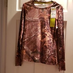 Under armour como long sleeve shirt